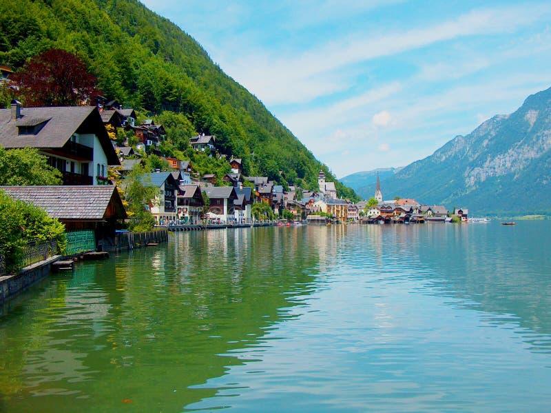 Dorf auf dem See stockfoto