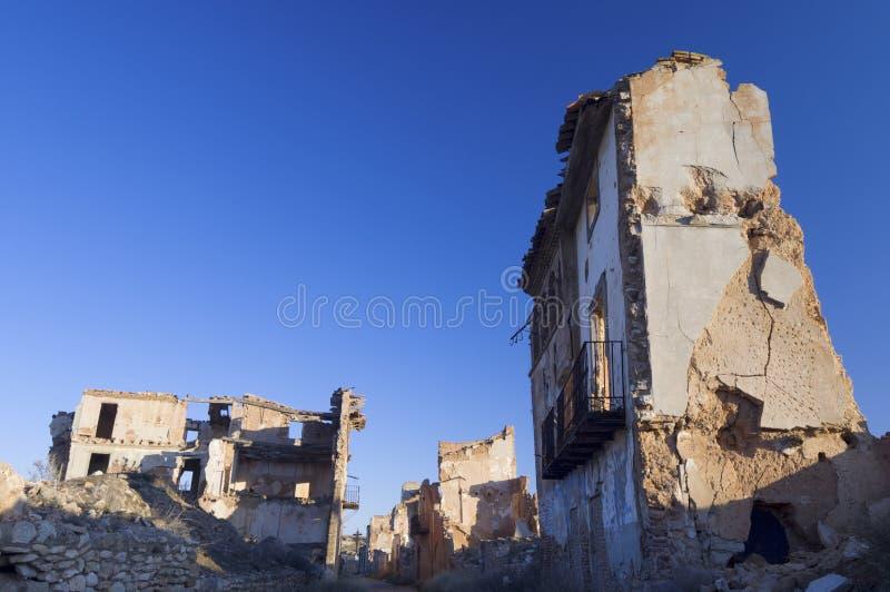 Download Dorf demolierter Belchite stockfoto. Bild von bombardierung - 22722280
