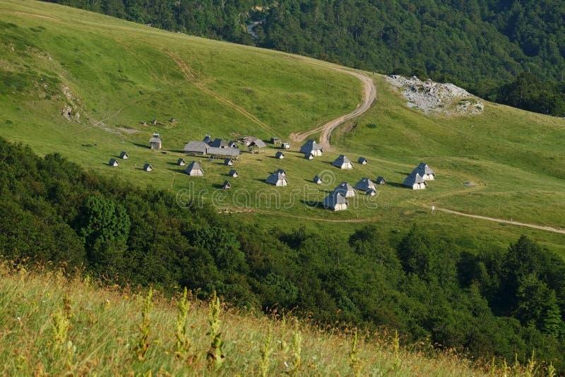Dorf-Landschaft, Montenegro lizenzfreie stockbilder