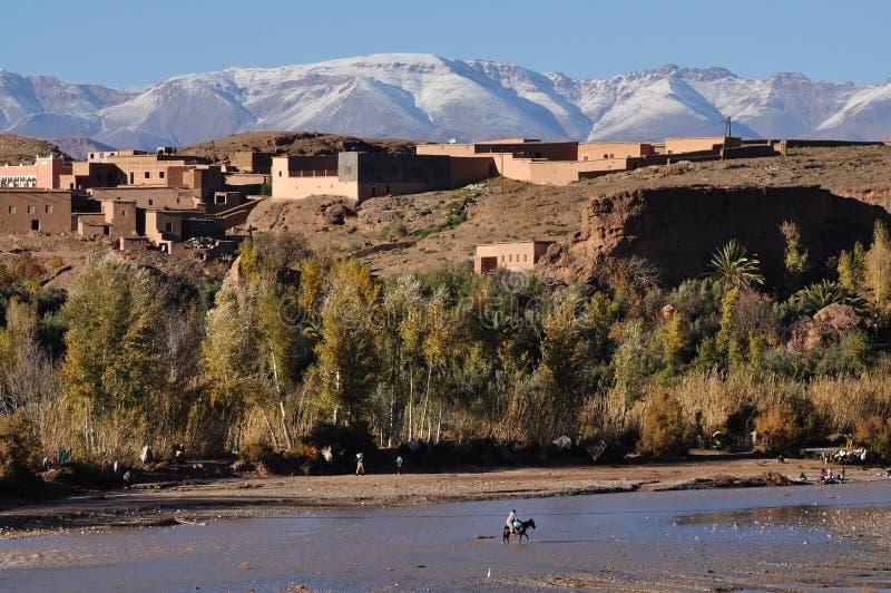 Dorf in Marokko stockbild