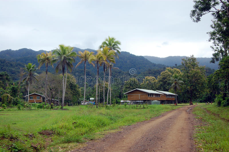 Dorf in Papua-Neu-Guinea stockfotos