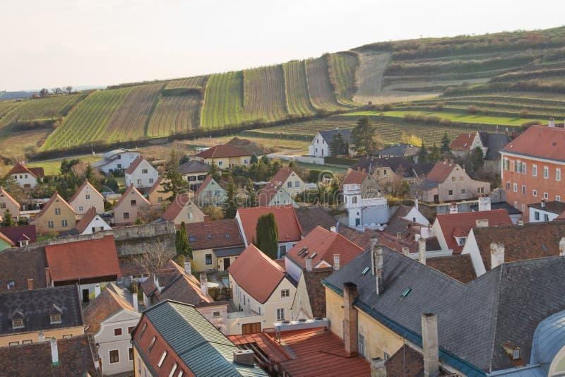 Dorf und Felder stockfotos