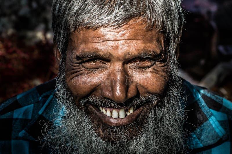 Dorfglückliche menschen stockfoto