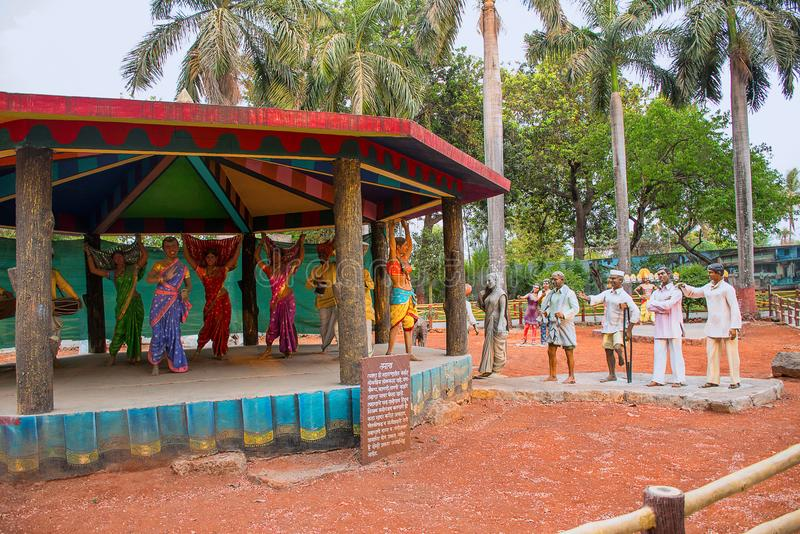 Dorftänzer Gramm Sanskruti Udyan, Pashan, Pune, Maharashtra lizenzfreie stockfotos