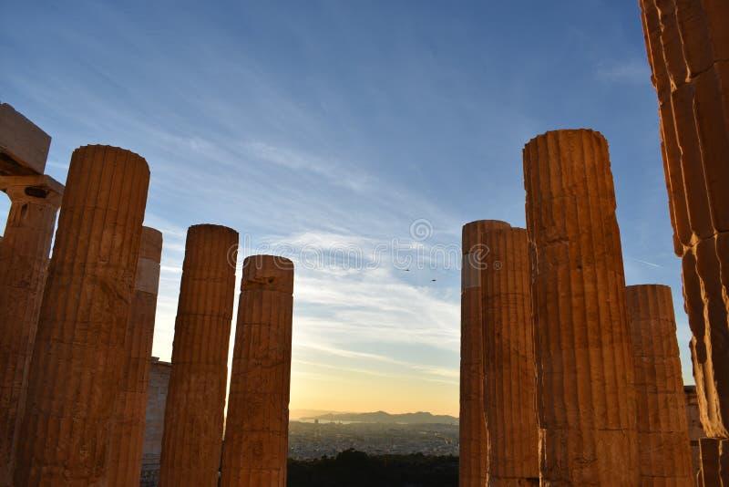 Doric kolumny akropol przy zmierzchem obrazy royalty free
