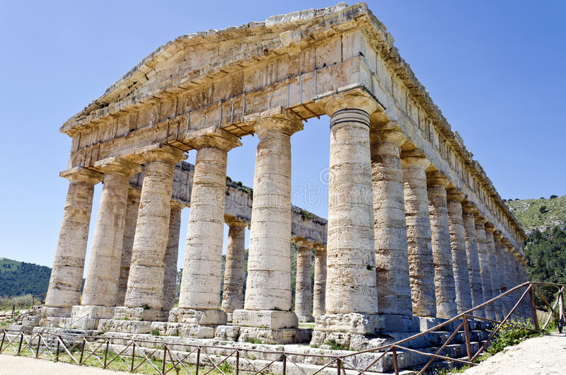 Download The Doric Temple Of Segesta Stock Photo - Image: 25942874