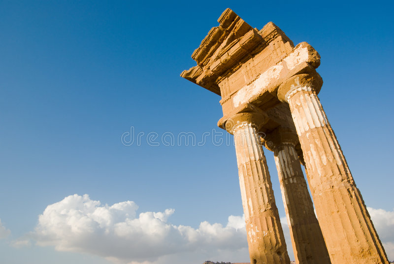 Dorische tempel van Bever en Pollux royalty-vrije stock afbeelding