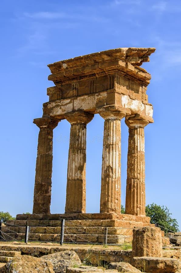 Dorische tempel van Bever en Pollux in Agrigento, Italië royalty-vrije stock foto's