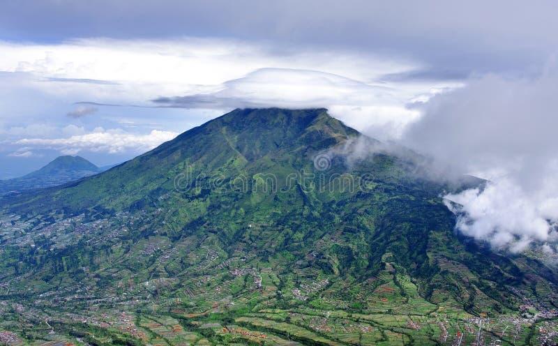 dormant stratovolcano för indonesia merbabumontering royaltyfria foton