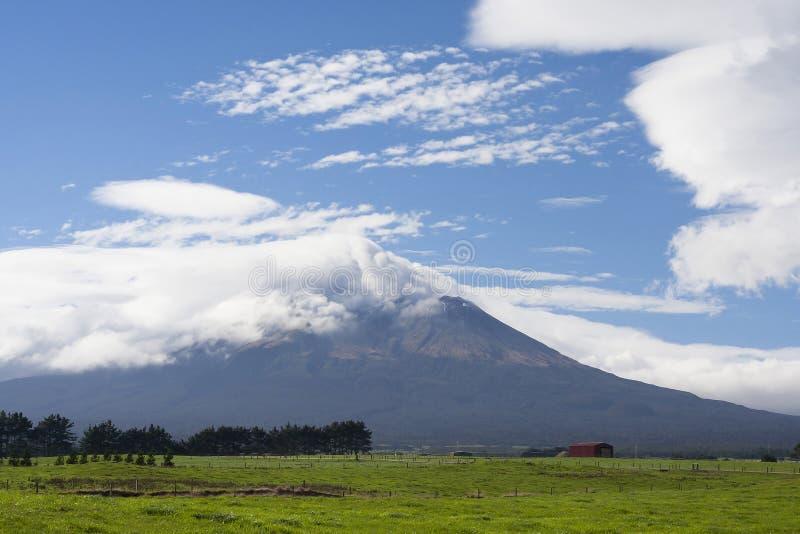 Dormant vulkan för Mt Taranaki arkivbild