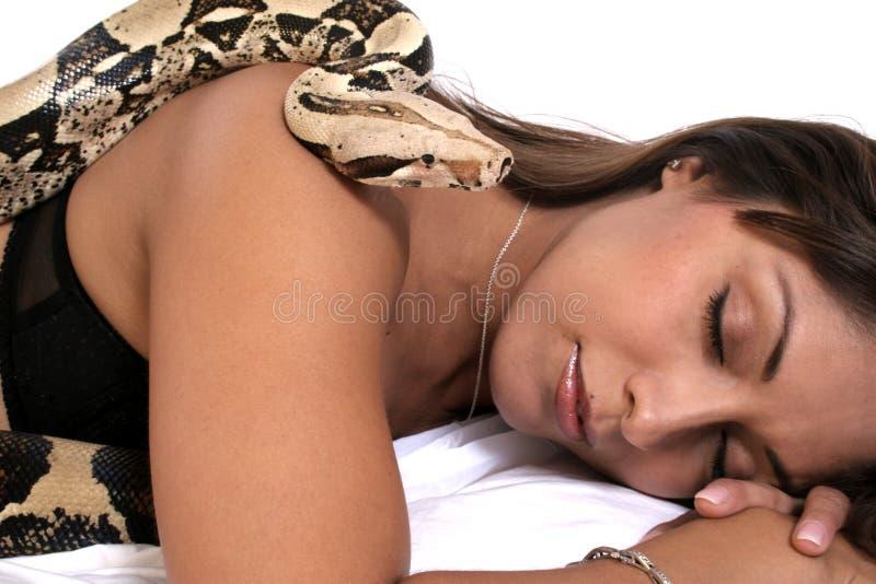 Dormendo con il nemico fotografia stock libera da diritti