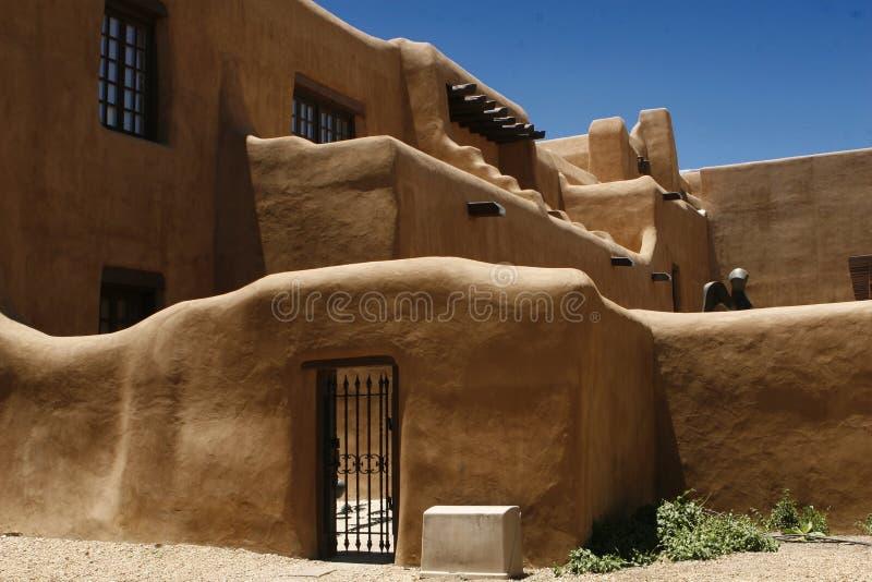 Dormers barrados estilo do povoado indígeno foto de stock
