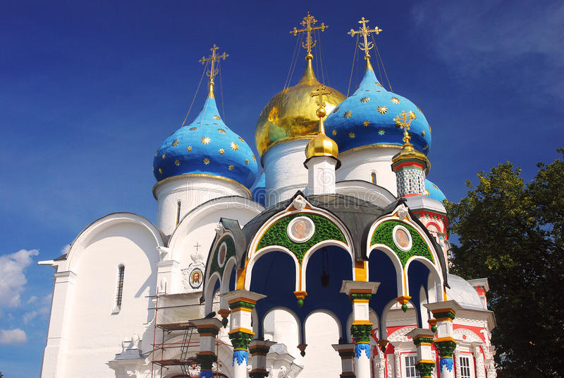 Dormitions-Kirche in der Dreiheit Sergius Lavra, Sergiev Posad, Russland UNESCO-Welt Herit lizenzfreies stockbild