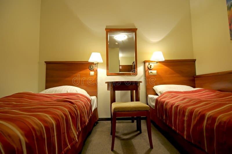 Dormitorio cómodo para dos. fotos de archivo libres de regalías