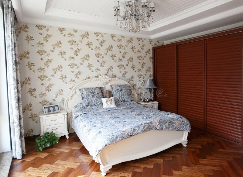 Dormitorio casero de lujo foto de archivo libre de regalías