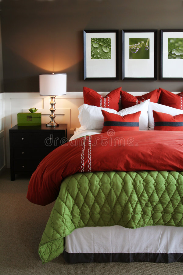 Dormitorio de moda imágenes de archivo libres de regalías