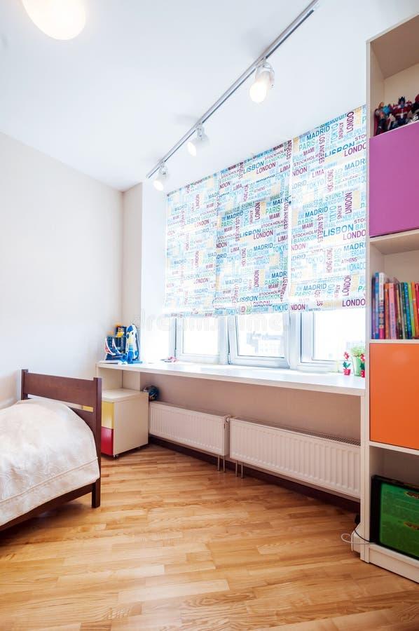 Dormitorio del bebé fotografía de archivo