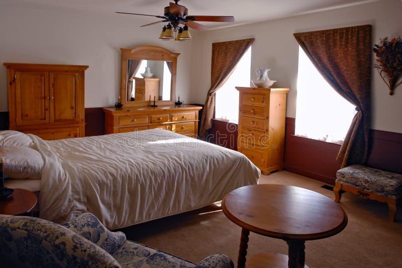 Dormitorio interior americano tradicional imagen de archivo