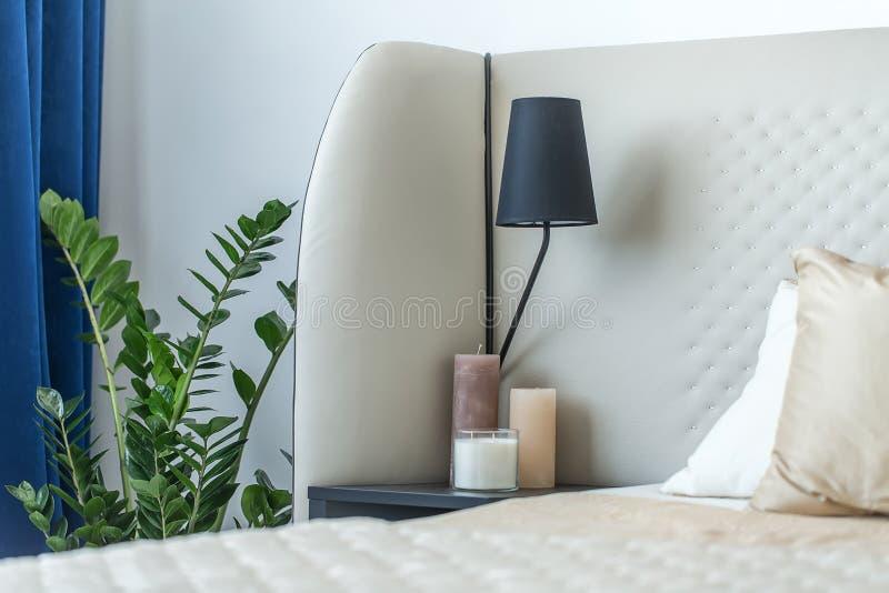 Dormitorio moderno con estilo foto de archivo libre de regalías
