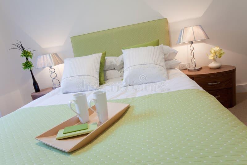 Dormitorio moderno elegante foto de archivo