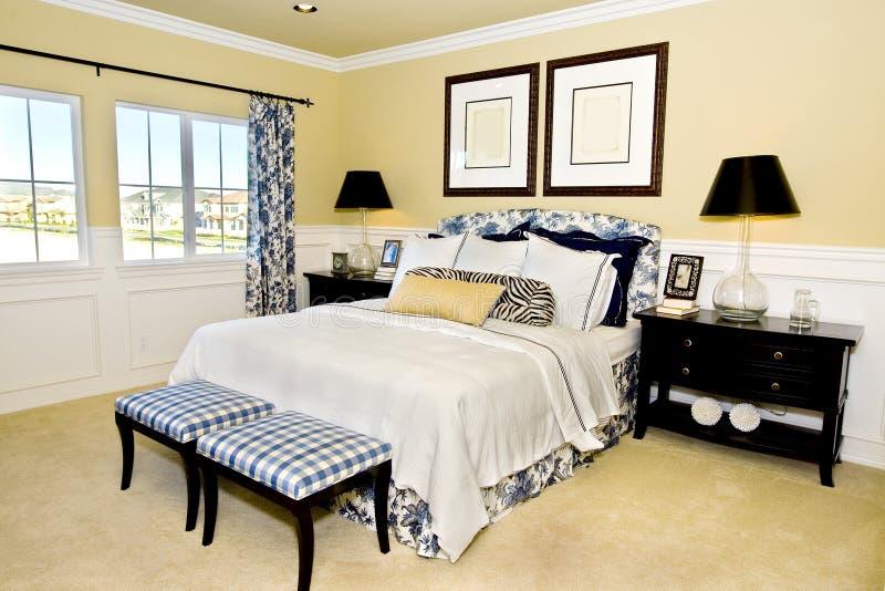 Dormitorio principal fotografía de archivo