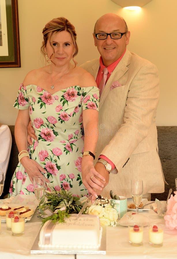 Dorośleć pary na dniu ślubu obrazy royalty free