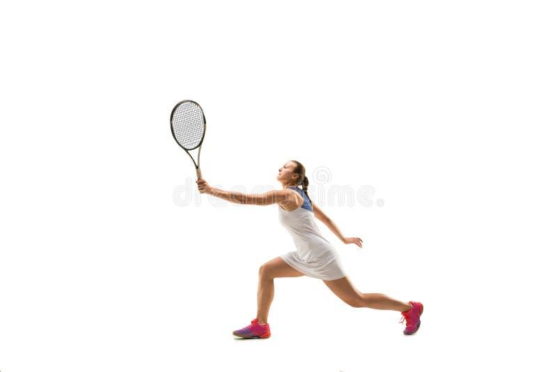 Dorosła kobieta bawić się tenisa Studio strzelający nad bielem fotografia stock
