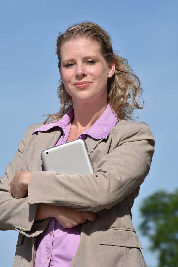 Dorosły blondynki Biznesowej kobiety portret zdjęcie royalty free