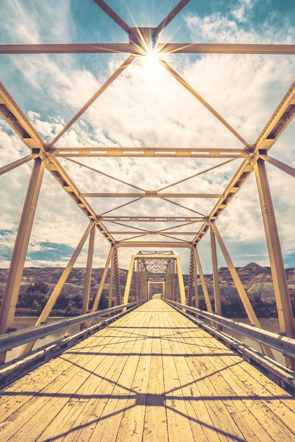 Dorothy Ferry Bridge avec le rayon de soleil photos stock