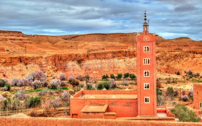 Dorp in de Asif Ounila-vallei in de Hoge Atlasbergen, Marokko stock fotografie