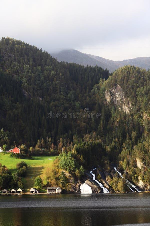 Dorp in Noorwegen royalty-vrije stock foto's
