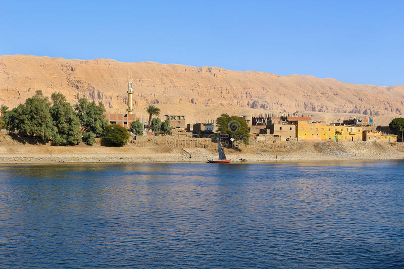 Dorp op Nile River, Egypte stock foto