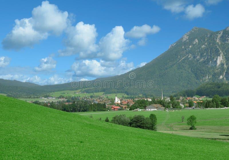 Dorp van Inzell, Chiemgau, hoger Beieren, Duitsland stock afbeeldingen