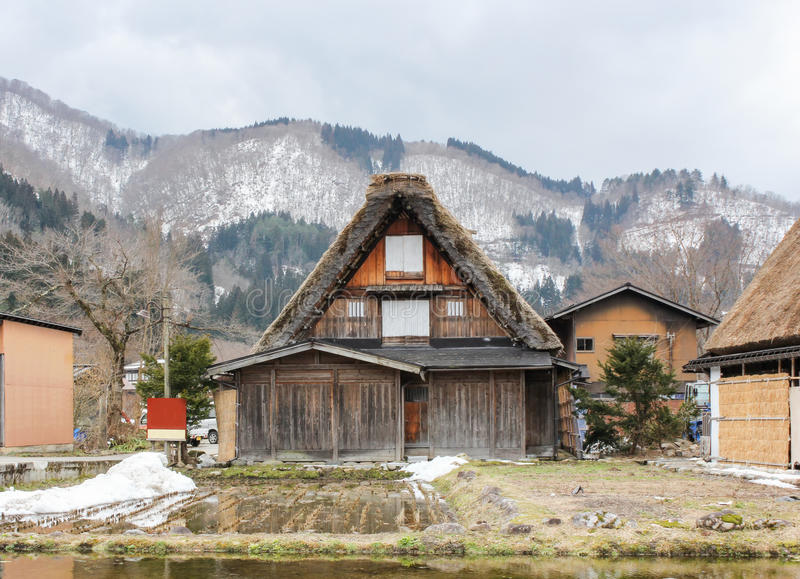 Dorpsshirakawago in Japan op de winter stock afbeelding