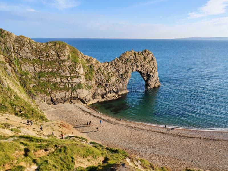 09/06/2019 - Dorset, Angleterre - côte jurassique de porte de Durdle photographie stock