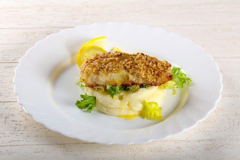 Dorsz ryba z puree ziemniaczane zdjęcia royalty free