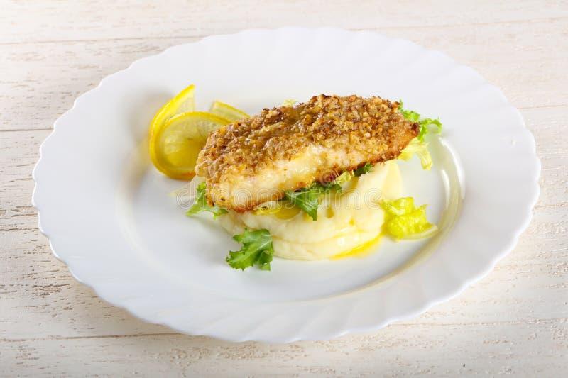 Dorsz ryba z puree ziemniaczane obrazy stock