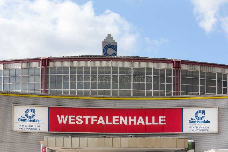 Dortmund, Noordrijn-Westfalen/Duitsland - 22 10 18: westfalenhalle het teken van Dortmund in Dortmund Duitsland royalty-vrije stock afbeelding