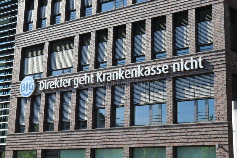 Dortmund, Ruhr teren, Północny Rhine Westphalia Niemcy, Kwiecień, - 16 2018: Niemieckiego ` Bundesinnungskrankenkasse Gesundheit  zdjęcia royalty free