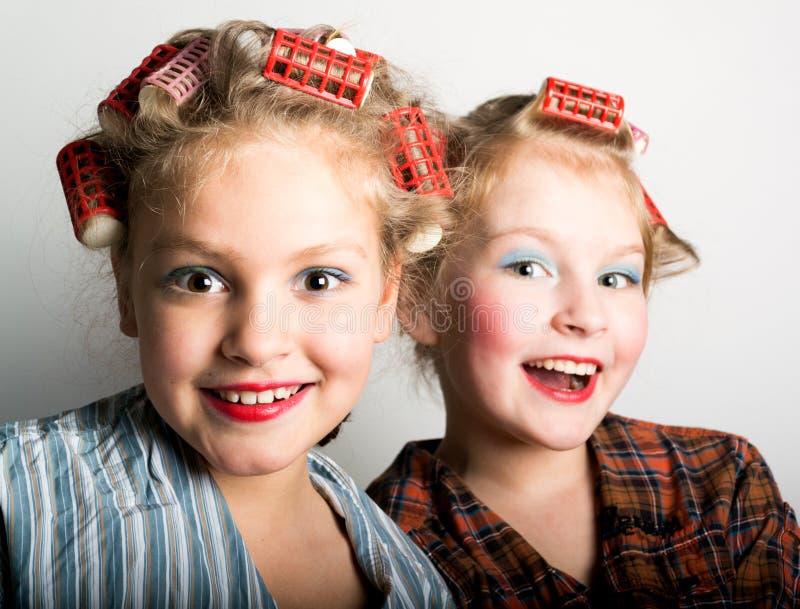 Download Dos Adolescentes Juguetones Delante De Un Ojo Imagen de archivo - Imagen de caucásico, comida: 64207787