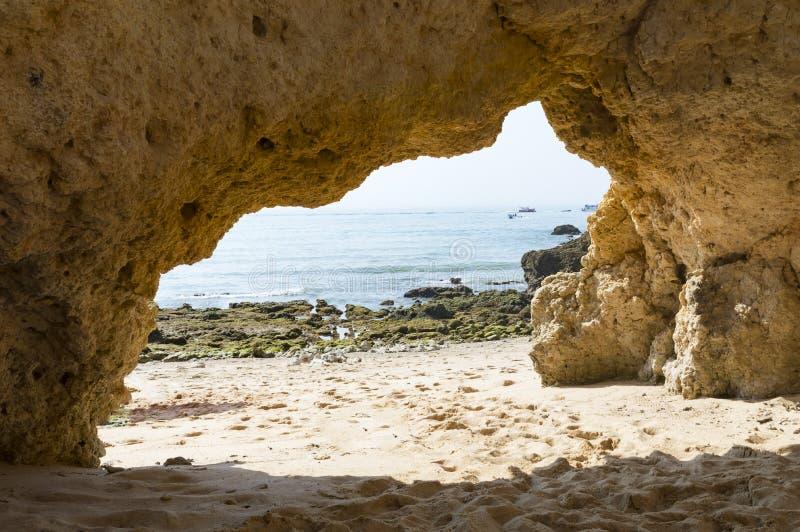Dos Arrifes strand Algarve Portugal arkivbilder