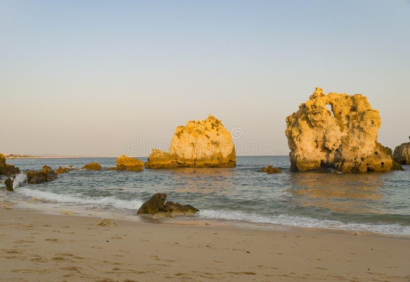 Dos Arrifes strand Algarve Portugal royaltyfri fotografi