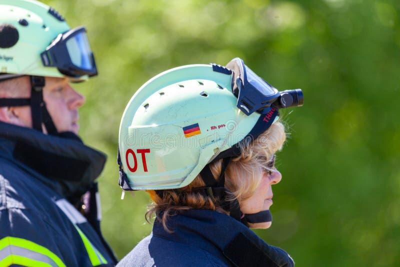 Dos bomberos alemanes fotos de archivo libres de regalías