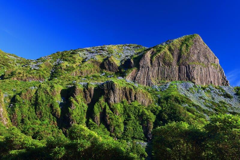 DOS Bordoes di Rocha nell'isola del Flores di estate immagine stock
