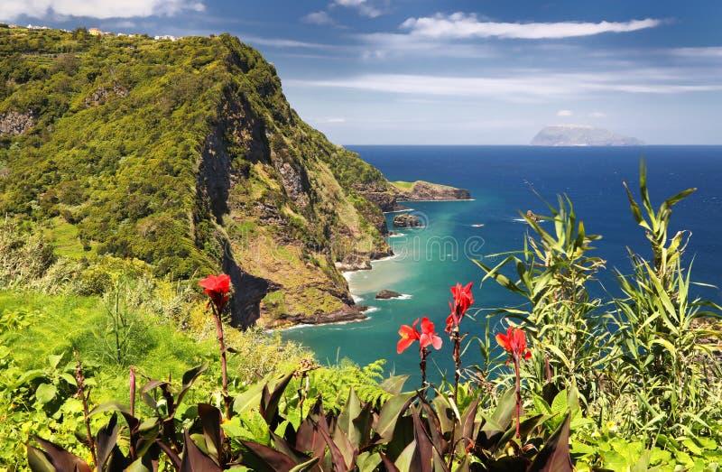 DOS Caimbros Miradouro άποψης στα νησιά Flores Αζόρες στοκ φωτογραφίες με δικαίωμα ελεύθερης χρήσης