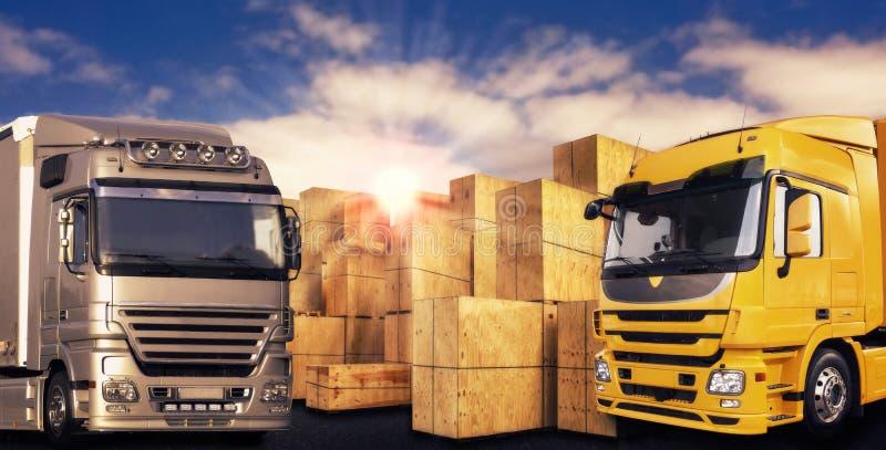 Dos camiones modernos y muchas cajas del portador fotos de archivo libres de regalías