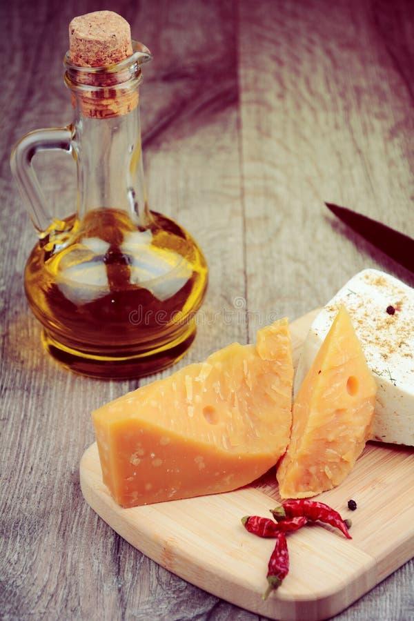 Dos clases de queso imagen de archivo