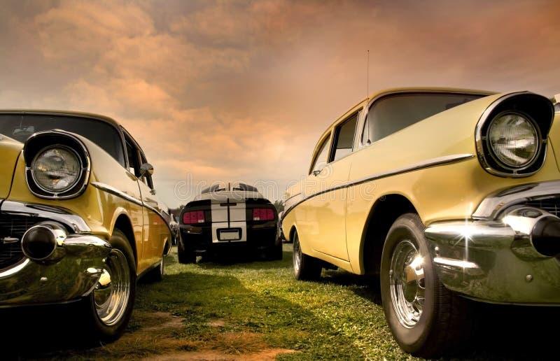 Dos coches del músculo imagen de archivo libre de regalías