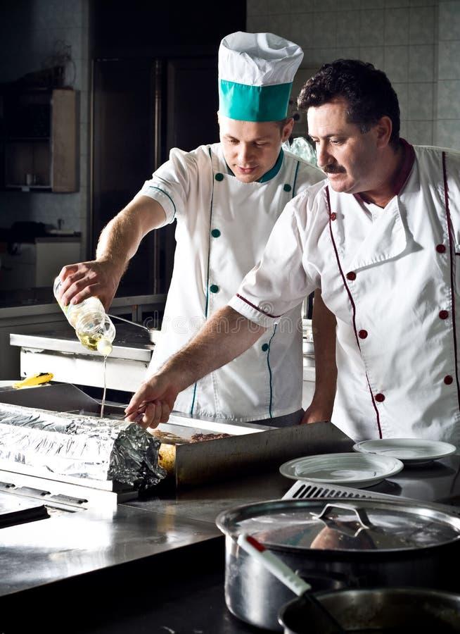 Dos cocineros imagenes de archivo