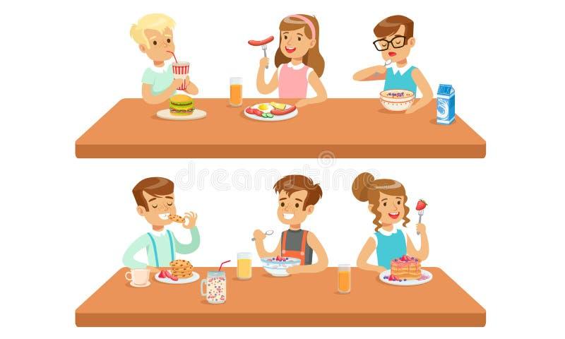 Dos Conceptos De Alimentación Infantil Comidas Saludables Y Caricatura De Dibujo Vector De Alimentos Rápidos Ilustración Del Vector Ilustración De Arte Coma 165001558